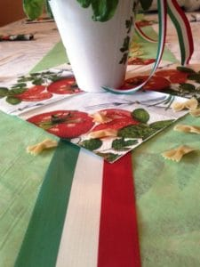 italienische Tischdeko mit Nationalband Italien